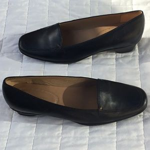 Easy Spirit Leather Loafers